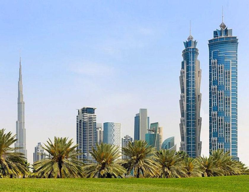 <b>31. JW Marriott Marquis Dubai Tower 1 & 2</b>\n<br>Dubai, UAE, 355m