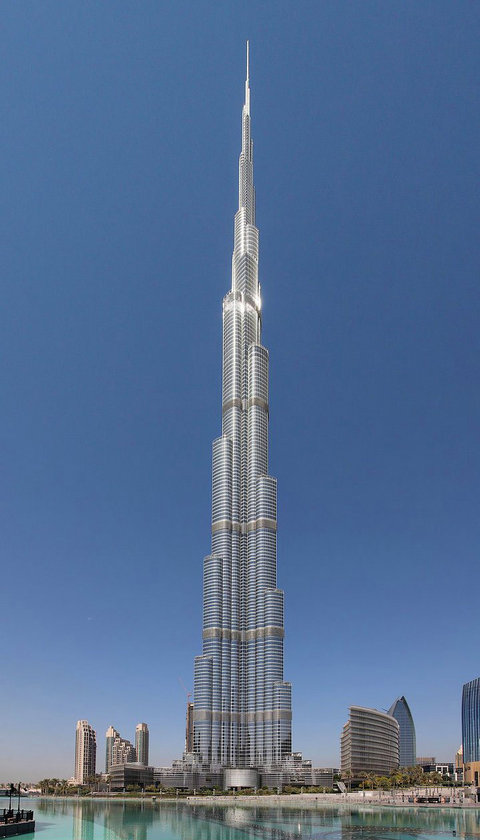 <b>1. Burj Khalifa</b>\n<br>Dubai, UAE, 828m\n<br>Kaynak: Onedio