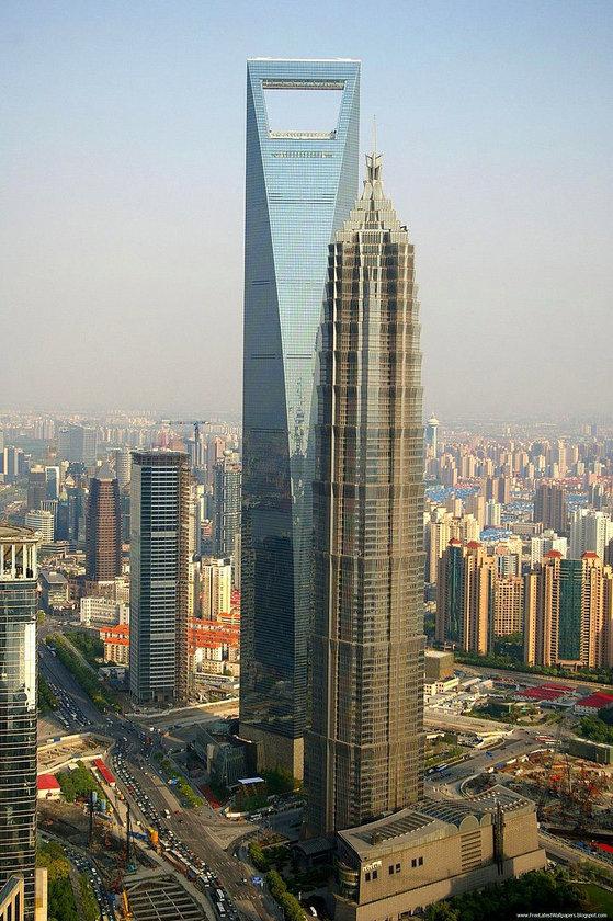 <b>14. Jin Mao Tower</b> (öndeki)\n<br>Shanghai, China, 421m