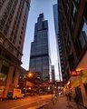<b>10. Willis Tower</b> (Eski adıyla Sears Tower)\n<br>Chicago, USA, 442m