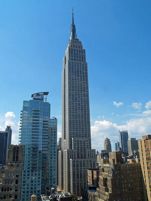<b>22. Empire State Building</b>\n<br>New York City, USA, 381m