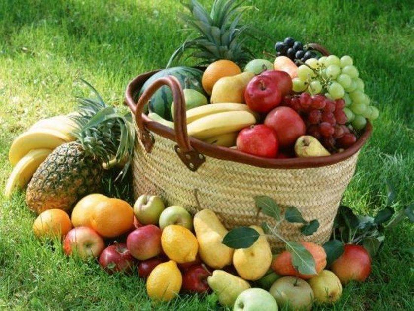 Fazla tarım ilaçları içermeyen, organik yetiştirilmiş bitkisel ve hayvansal besinler.