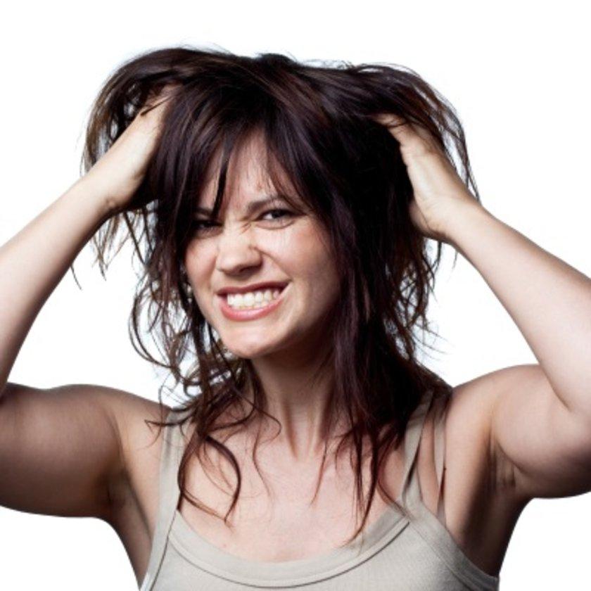 Kanser, depresyon, kalp hastalıkları, tansiyon yüksekliği, romatizmal hastalıklar için kullanılan bazı ilaçlar saçta dökülme yapıyor.