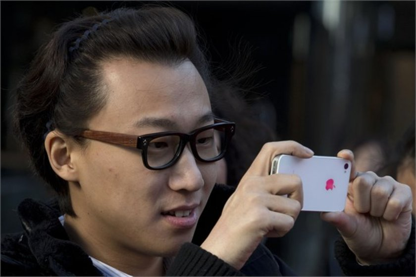 13- China Mobile\n<br>Marka değeri 31,845 milyar dolar.