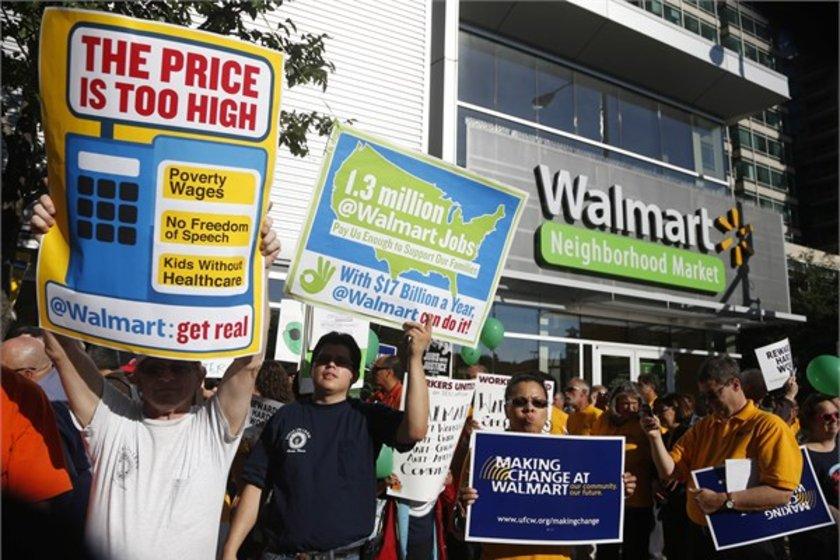 9- Walmart\n<br>Marka değeri 44,779 milyar dolar.