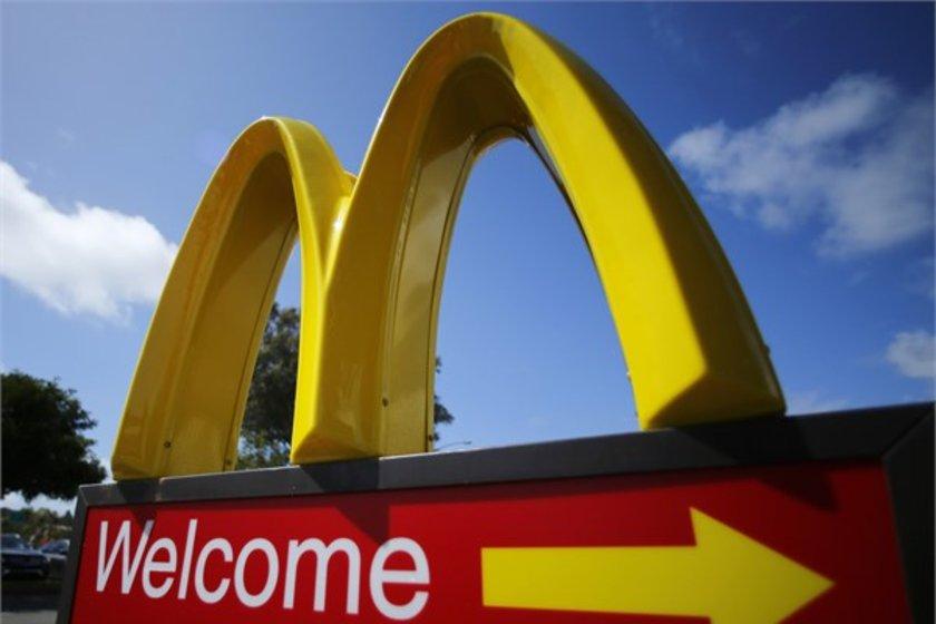 23- McDonald's\n<br>Marka değeri 26,047 milyar dolar.
