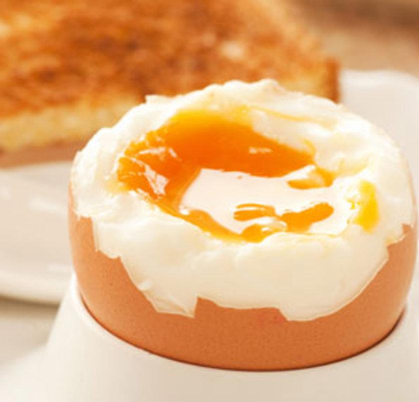 Az pişmiş ya da pişmemiş yumurta içeren mayonez gibi yiyeceklerden kaçının. Çiğ ve az pişmiş yumurta, salmonella kaynağı olabilir bu nedenle iyi pişmiş yumurta yenilmelidir.
