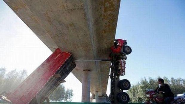 En ilginç otomobil kazaları