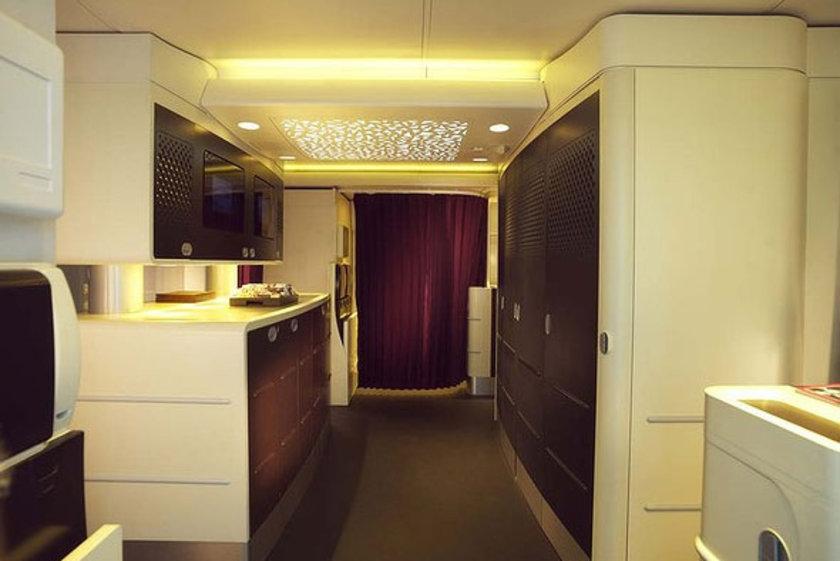 Uçağın ilk rotası olacak Abu Dabi-Londra uçuşunda rezidans bölümünü tercih edenlerin 20 bin dolar gibi bir para ödemesi gerekecek...