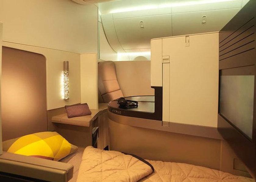 A380'lerde rezidansın yanı sıra, süit oda olarak da 9 'apartman' bulunacak. Bu apartmanlarda da yine kızaklı kapılar, minibar, gardrop, yatak ve televizyon bulunacak...