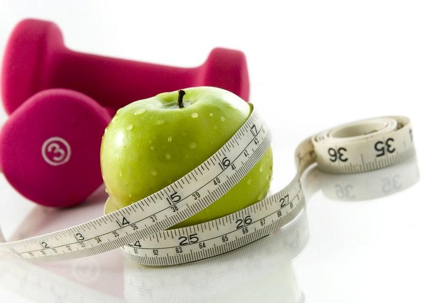 Fazla Kilolar Cebe Zarar <br> \n\nFazla kilolardan kurtulmak için milyonlarca lira harcayarak alınan 'gıda takviyeleri'ne dikkat! Daha sağlıklı ve doktorların onayladığı ürünler tercih ederek bu harcamanın önüne geçebilirsiniz. \n