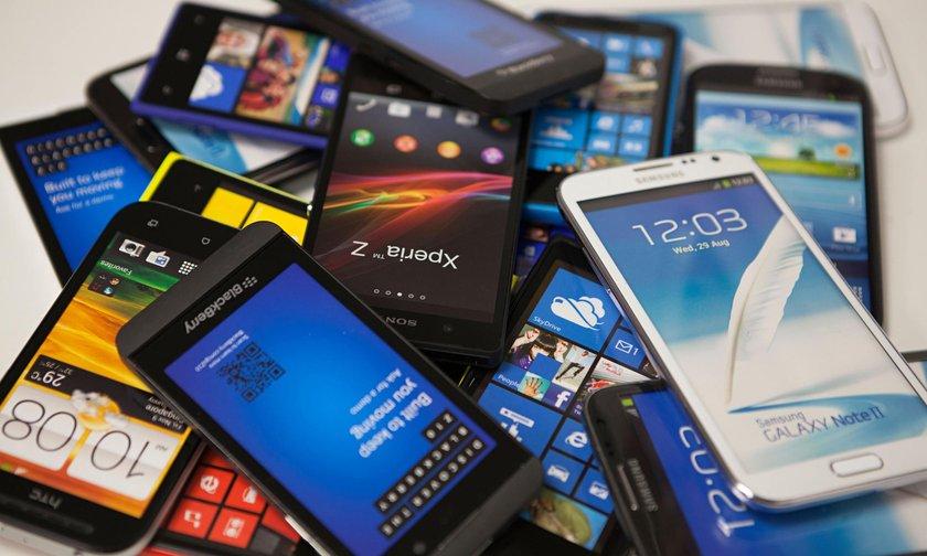 Akıllı Telefonda Veriyi Aşmayın <br> \n\nTeknolojinin nimeti akıllı telefonların internet özelliğini kullanırken dikkat edin. Telefon verisinin sürekli aşılması hem kabarık faturaları hem de telefonun ömrünün daha da kısa olmasını sağlıyor. \n