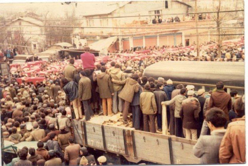 10 Nisan 1983: Kozlu'da grizu patlaması (10 ölü).