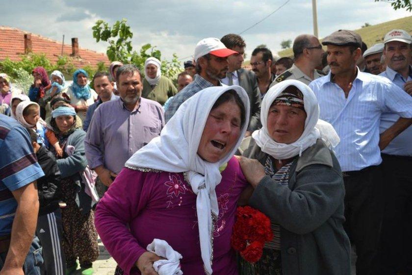 <b>İBRAHİM GEZER</b>\nKırkağaç İlçesi'ndeki soğuk hava deposunda ailesi tarafından teşhis edilen İbrahim Gezer'in cenazesi, ailesine teslim edilerek memleketi Kula'ya getirildi.