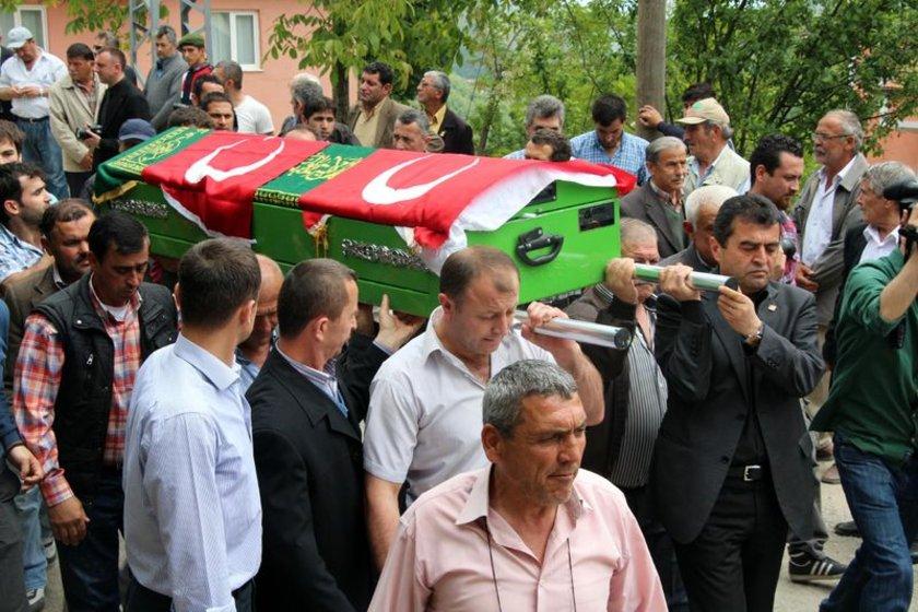 İl Müftüsü Nuh Korkmaz tarafından kıldırılan cenaze namazının ardından, Avcı'nın cenazesi Himmetoğlu köyünde aile mezarlığına defnedildi.