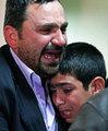 Cenazeye katılan Vali Altıparmak, Aktaş'ın kardeşi Sinan Aktaş ile çocuklarıyla bir süre sohbet ederek başsağlığı diledi.