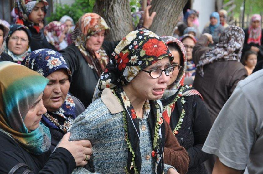 <b>NASIL SAKİN OLAYIM</b>\n\nHayatını kaybeden işçi Kadir Özer'in cenazesi memleketi Balıkesir'e getirildi.