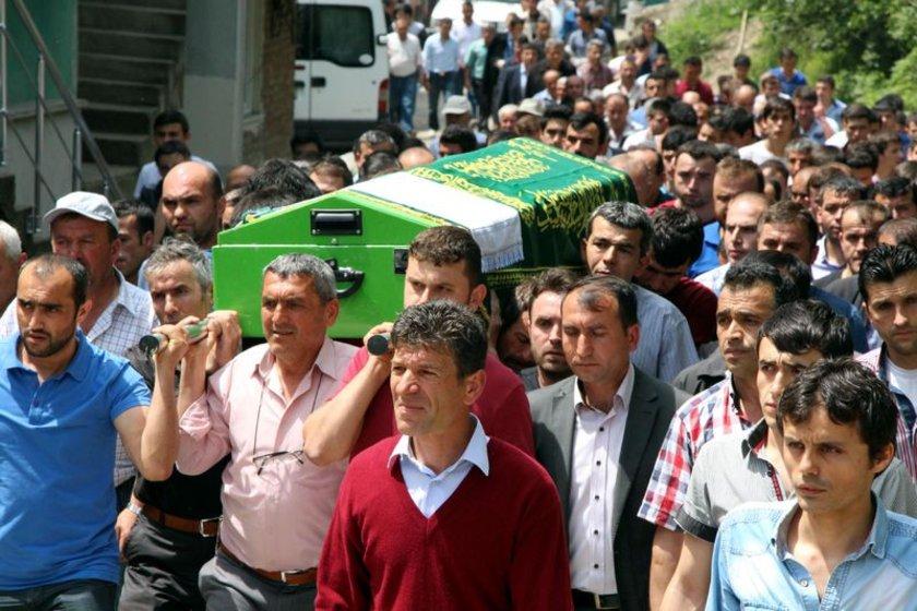 Avcı'nın cenaze törenine; Avcı'nın ailesinin yanı sıra Zonguldak Valisi Ali Kaban, Zonguldak Belediye Başkanı Muharrem Akdemir, İl Jandarma Alay Komutanı Jandarma Albay Ergün Özgür, CHP Zonguldak milletvekilleri Mehmet Haberal ile vatandaş katıldı