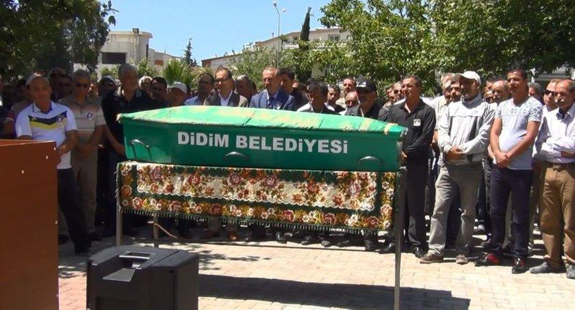 Erdal Demirel'in cenazesi cemevinde alınan helalliğin ardından Didim Asri Mezarlığına defnedildi