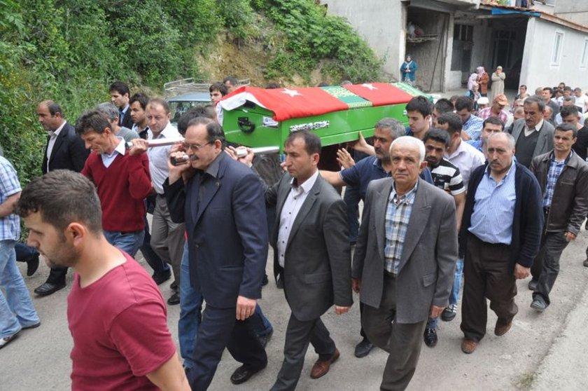 Geride bir eş ve 3 çocuk bırakan 33 yaşındaki madenci Kenan Avcı'nın ölümü, köyde büyük üzüntüye sebep oldu.