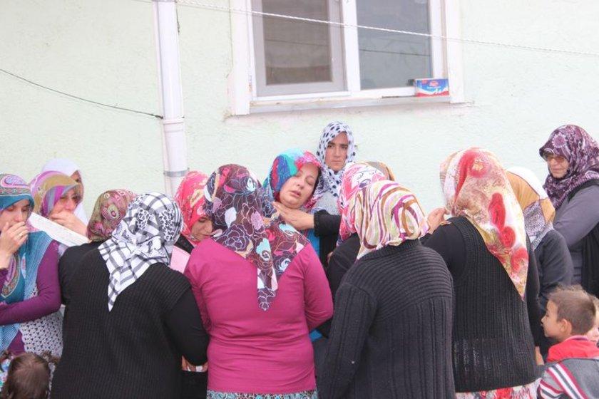 Yıldırım'ın cenazesi köydeki evinin önünde helallik alınmasının ardından köy mezarlığına götürülüp defnedildi.