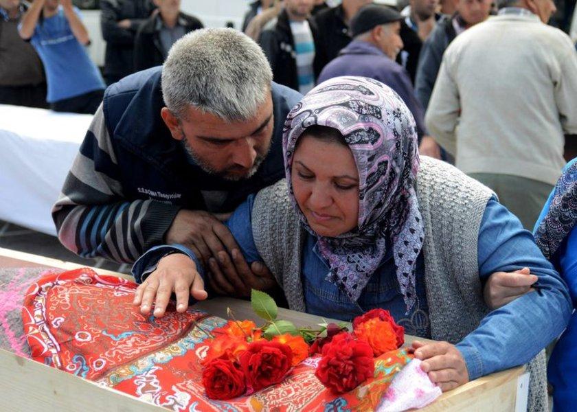 Namık Havutça MHP Balıkesir Milletvekili Ahmet Duran Bulut, madenciler ve vatandaşların da aralarında bulunduğu yaklaşık 3 bin kişi katıldı.