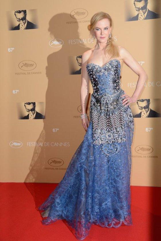 Nicole Kidman'ın elbisesi modacılardan tam not aldı.