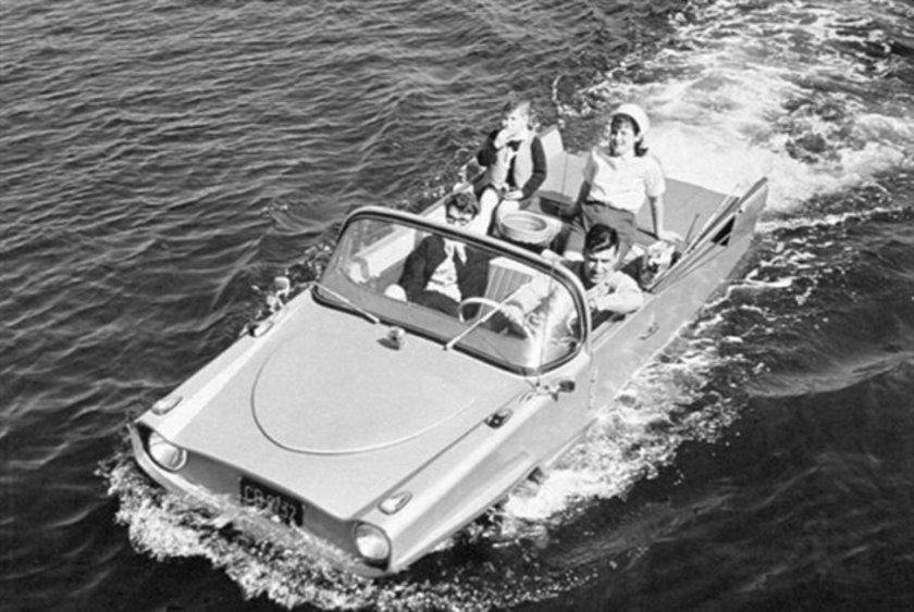 1961 Amphicar\n
