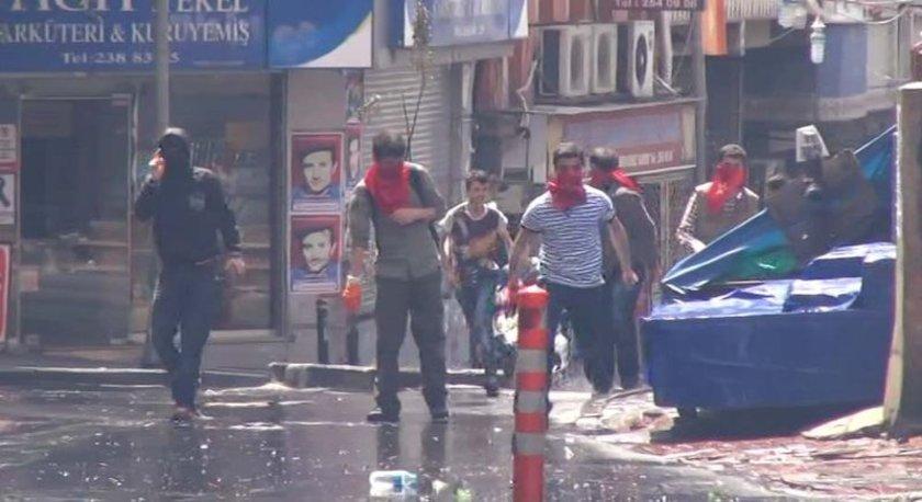Okmeydanı Şark Kahvesi önünde toplanan bir grup Soma maden ocağı faciasını protesto etmek için gösteri düzenlemek istemişti.