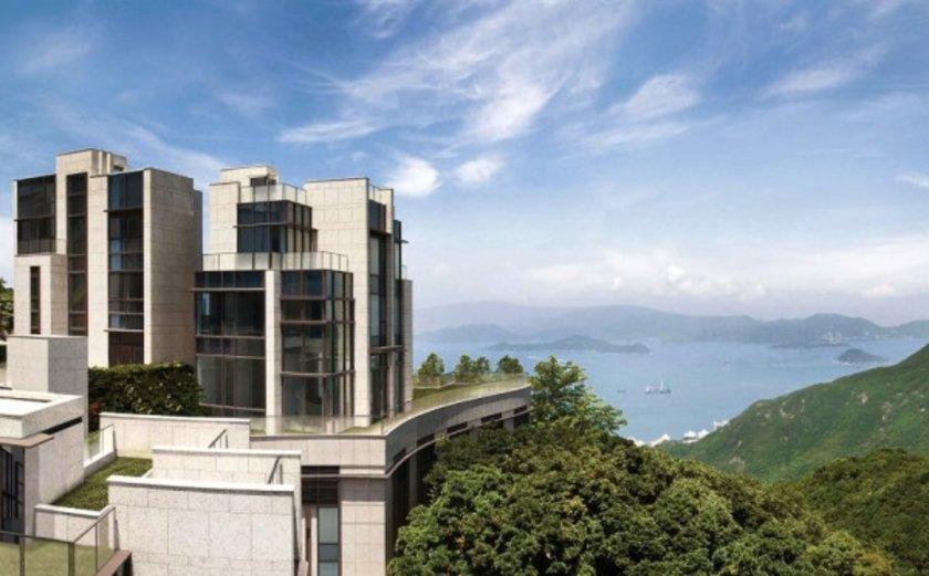 <p>Dünyanın en pahalı evi satılıyor<br /> Dünyanın en pahalı dairesi satışa çıktı. Hong Kong'da bulunan daire, metrekare bazında da dünyanın en pahalı evi konumunda.</p>