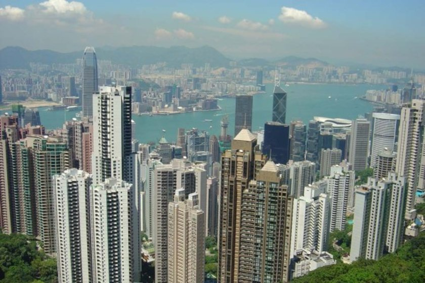 <p>Hong Kong körfezinin eşsiz manzarasına sahip daire için emlak şirketi, ilk 5 ay içinde daireyi satın alacak kişiye indirim sözü verdi.</p>
