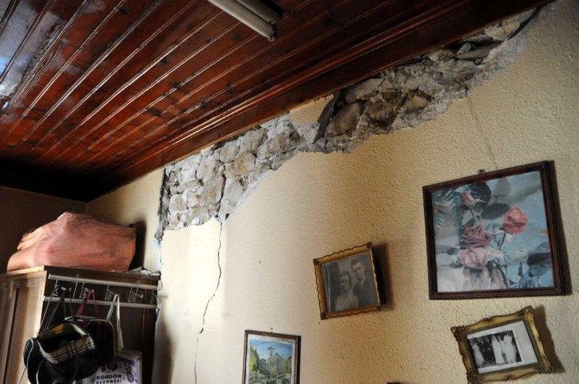 Çanakkale'nin Gökçeada ilçesi açıklarında dün meydana gelen Ege ve Marmara bölgelerindeki tüm illeri sallayan 6.5 büyüklüğündeki depremin artçı sarsıntıları bugün de tedirgin etti.