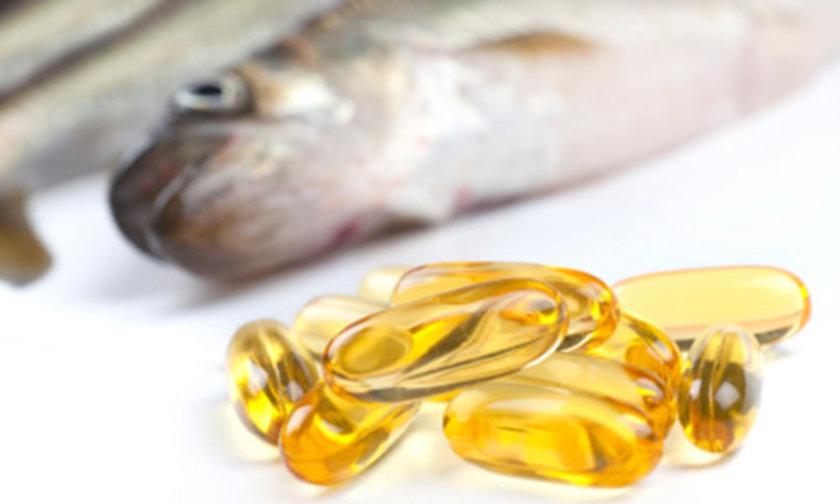 Omega-3 Yağ Asitleri İçeren Gıdalar\nOmega-3 yağ asitleri yapılan birçok araştırmaya göre bir anti-depresan kadar etkili bu nedenle adet öncesi dönemde Omega- 3 yağ asitleri içeren keten tohumu, balık yağı, sardalye, \n