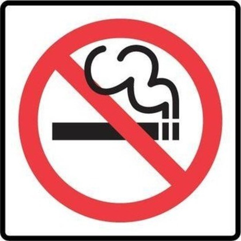 Sigara onlarca nedenle kötü ağız kokusuna neden olur. Saymaya gerek yoktur, içmeyiniz.