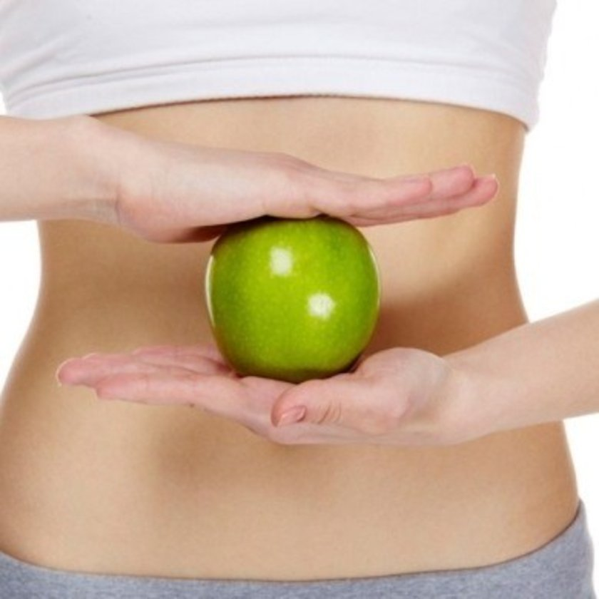 Diyet mevsiminin başladığı bu günlerde eğer düşük karbonhidratlı diyet yapıyorsanız bir başka kötü nefes sorunu ile karşılaşabilirsiniz. Düşük karbonhidratlı diyetlerde vücut enerji kaynağı olarak keton cismi denen maddeleri üretir ve kullanır.
