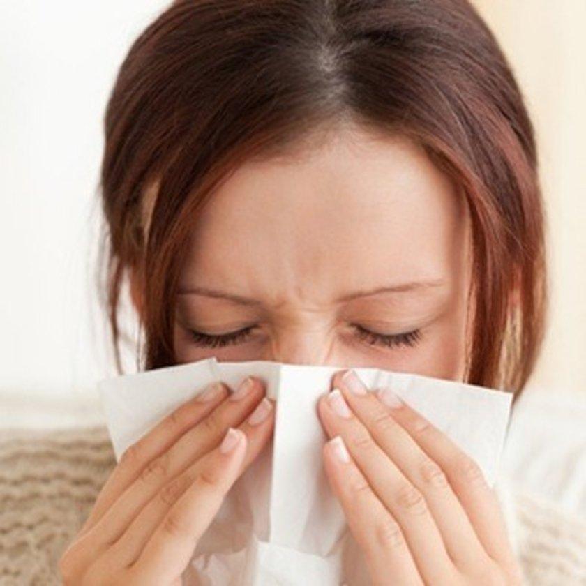 Azalan tükürük salgısı durumu daha kötü hale getirir. Bu nedenle kesinlikle burnunuz tıkalı uyumamalısınız.