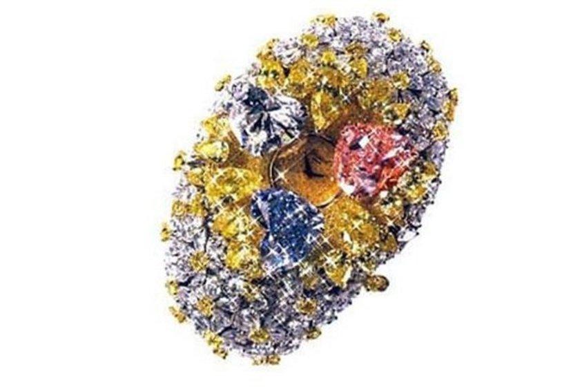 201 karat elmaslı Chopard saat\n<br>25 milyon dolar. \n