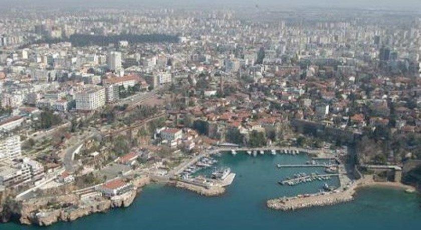 Şehir İzmir\nBölge Mavişehir<br>\n2010 (m2 fiyatı) 2200-2600<br>\n2013 (m2 fiyatı) 3000<br>\n2015 (m2 fiyatı) 4000<br>\n2013-15 Değişim (%) 33<br>\n