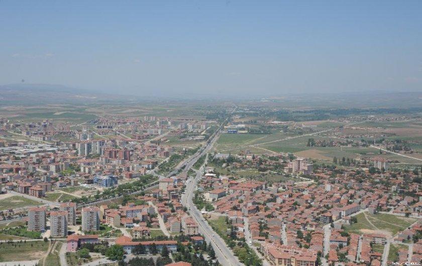 Şehir Eskişehir\nBölge Batıkent<br>\n2010 (m2 fiyatı) 1200-2000<br>\n2013 (m2 fiyatı) 1500-2500<br>\n2015 (m2 fiyatı) 2500-3250<br>\n2013-15 Değişim (%) 44<br>\n