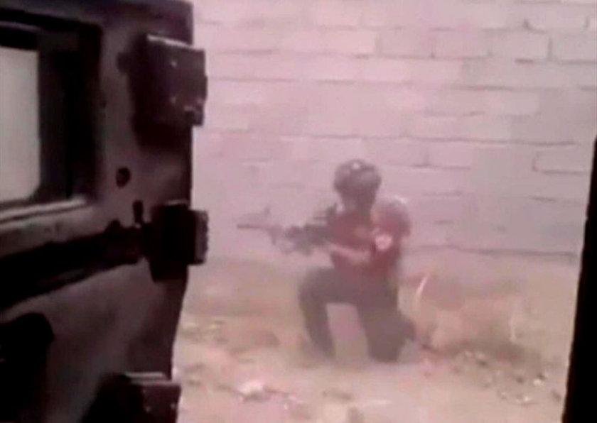 """IŞİD'in ele geçirdiği ganimetin çok daha büyük olduğu iddia edildi. """"Kerkük Mücahidi"""" isimli örgüt üyesi, Musul'da ele geçirilen teçhizatların fotoğrafını sosyal medyada paylaştı. Altına da """"Bunlar IŞİD'in malı"""" yorumu yaptı."""