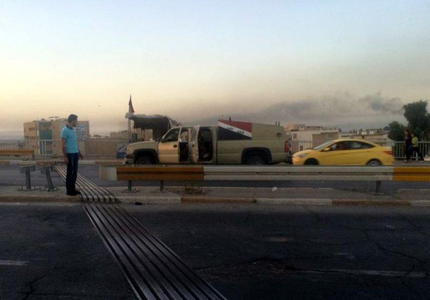 Musul'daki çatışmalarda çok sayıda kişi hayatını kaybederken, birçok askeri araç ve bina da ateşe verildi.