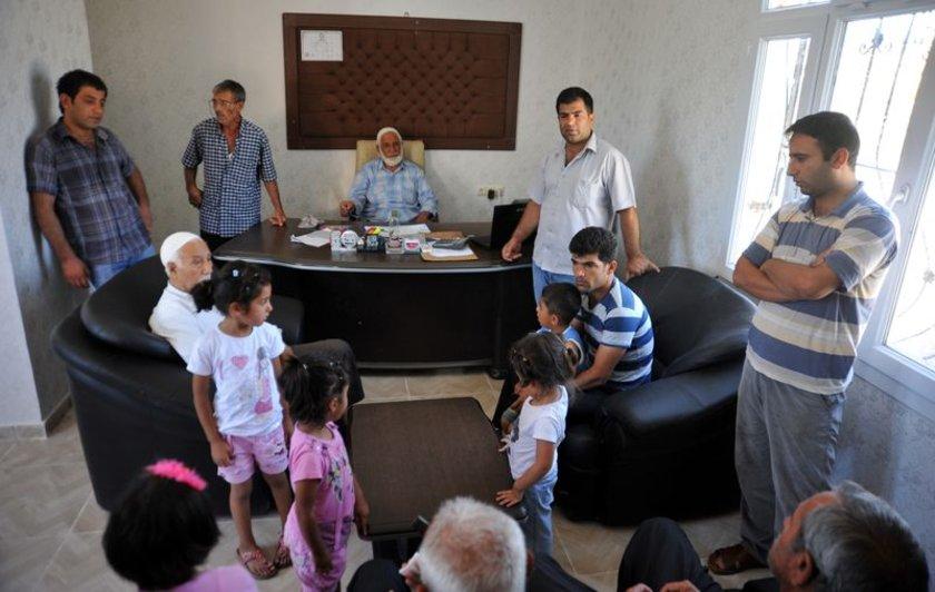 IŞİD tarafından alıkonulan tır şoförlerinin serbest bırakılması, Şanlıurfa'nın Birecik ilçesinde yaşayan yakınlarında sevince neden oldu.