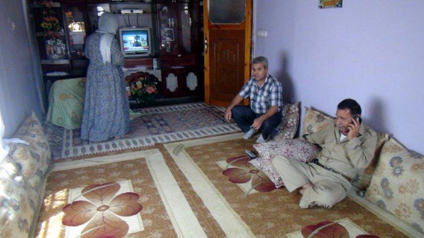 Çobanoğlu ailesi, akrabalarını telefonla arayarak sevinçlerini paylaştı.