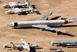 Yüzlerce eski uçak burada yatıyor