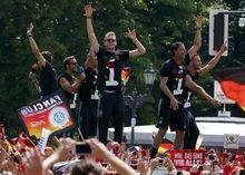 Almanya'da tarihi anlar!