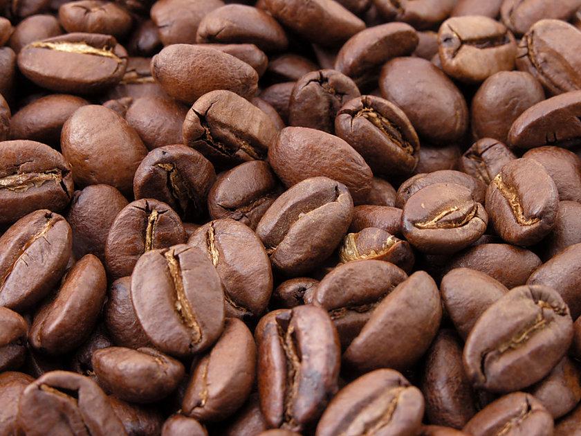 KAHVE: Ağrı eşiğini yükselttiği bildiriliyor. Egzersizden önce bir fincan öneriliyor. Ancak kahvenin yararları kadar zararları da tartışılan bir madde olduğunu unutmayın\n