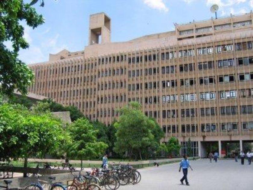 Hindistan\n<br>\nHint Delhi Teknoloji Enstitüsü\n<br>\nDünya sıralaması: 328 \n