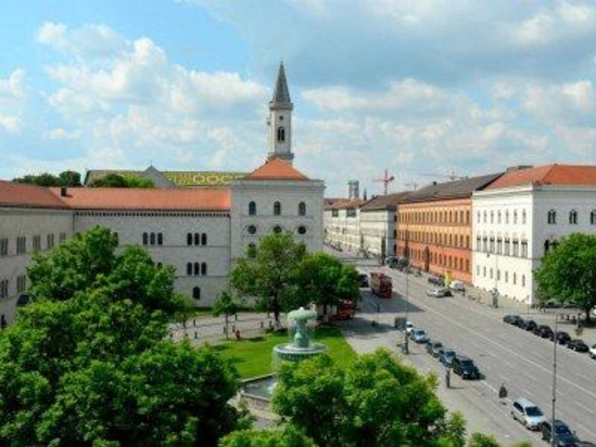 Almanya\n<br>\nMünih Ludwig Maximilian Üniversitesi\n<br>\nDünya sıralaması: 82