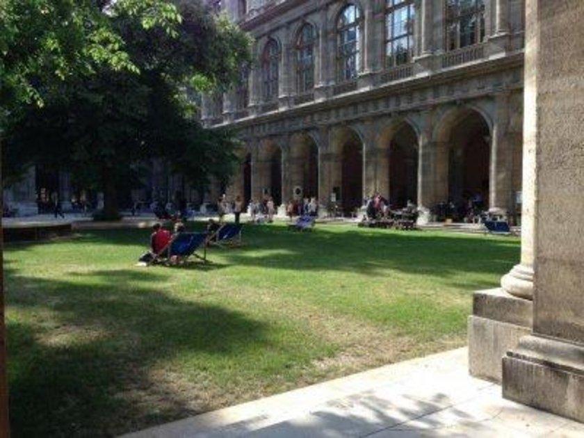 Avusturya\n<br>\nViyana Üniversitesi\n<br>\nDünya sıralaması: 205