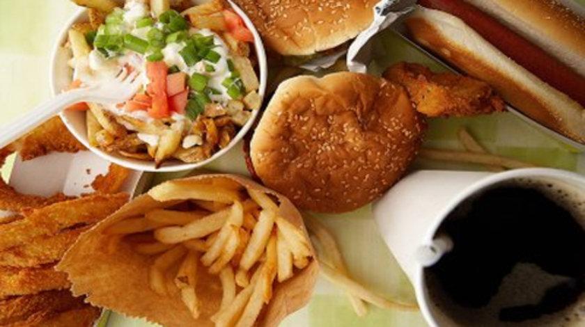 Sağlık Bakanlığı tarafından hazırlanan raporda, Türkiye'de ve tüm dünyada tüketimi hızla artan Fast-food'lar, 'yetersiz, dengesiz ve sağlıksız' olarak nitelendirildi.